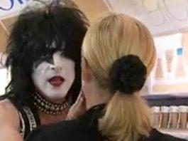 KISS no Wal-Mart