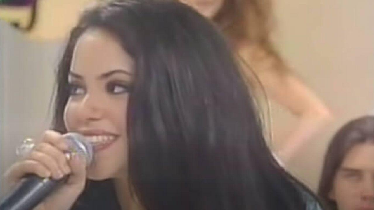O Dia Em Que Shakira Cantou Raimundos No Programa Do Gugu
