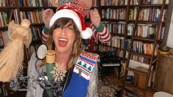 Alanis Morissette – Happy Xmas (War Is Over) Kimmel
