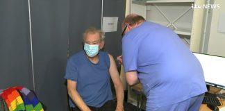 Ian McKellen vacina