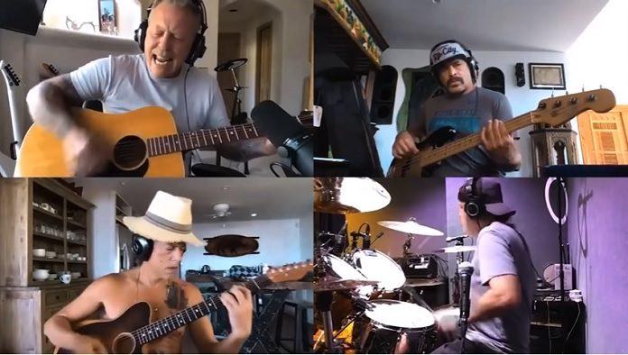 Metallica tocando Alice in Chains
