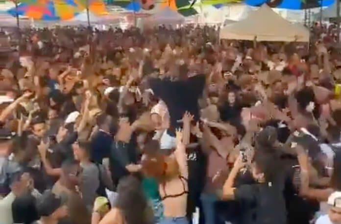Show de Djonga gera aglomeração