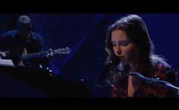Lily Cornell Silver toca Alice In Chains