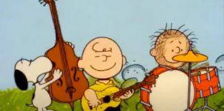 Turma de Charlie Brown cantando Yes