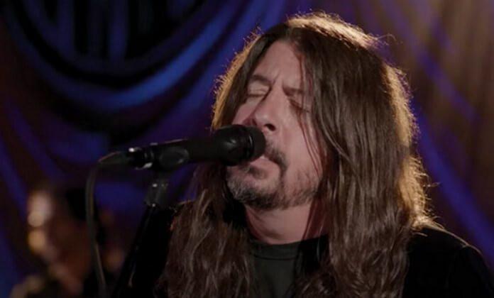 Foo Fighters toca na posse de Joe Biden