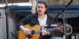 John Mayer em show acústico na NAMM