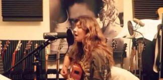 Toni Cornell tocando Temple of the Dog