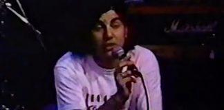 """Deftones tocando """"Answers"""" em 1992"""