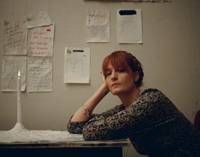 Florence Welch celebra sete anos de sobriedade