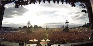 "Plateia do Green Day cantando ""Bohemian Rhapsody"""