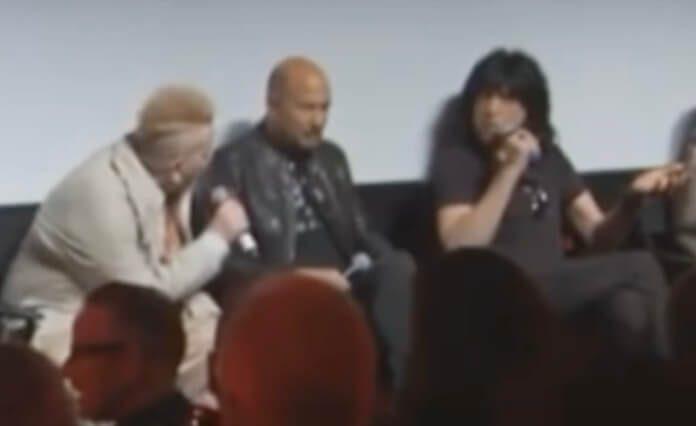 Johnny Rotten e Marky Ramone tretando
