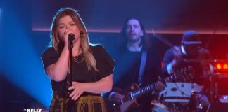 Kelly Clarkson canta Foo Fighters