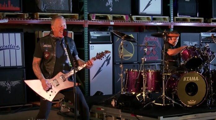 Metallica faz impressionante apresentação para celebrar o Super Bowl