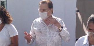 Silvio Santos é vacinado contra a COVID-19