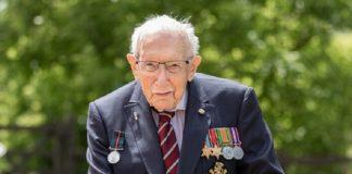 Capitão Tom Moore faleceu com COVID-19