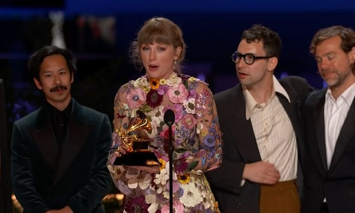 Taylor Swift no Grammy 2021