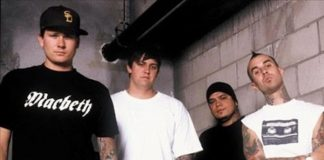 Tom DeLonge com o Box Car Racer