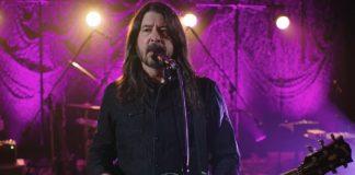 """Dave Grohl achou que tinha criado """"Everlong"""" com riff roubado do Sonic Youth"""