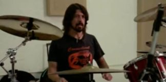 Dave Grohl na bateria