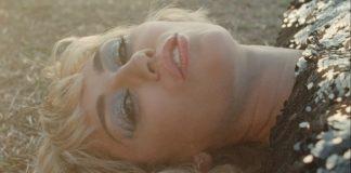 """Miley Cyrus lança clipe gravado no pré-show do Super Bowl; Veja """"Angels Like You"""""""