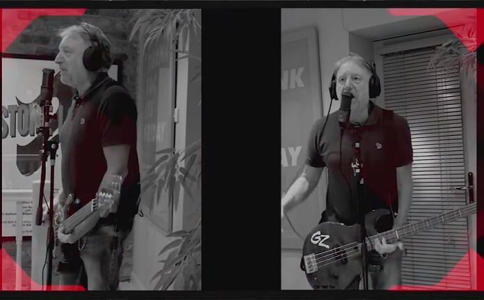 Peter Hook convida guitarrista do Smashing Pumpkins para cover do Joy Division