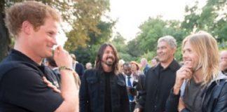 Príncipe Harry com o Foo Fighters