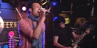 "Stone Temple Pilots tocando ""Plush"" em 2000"
