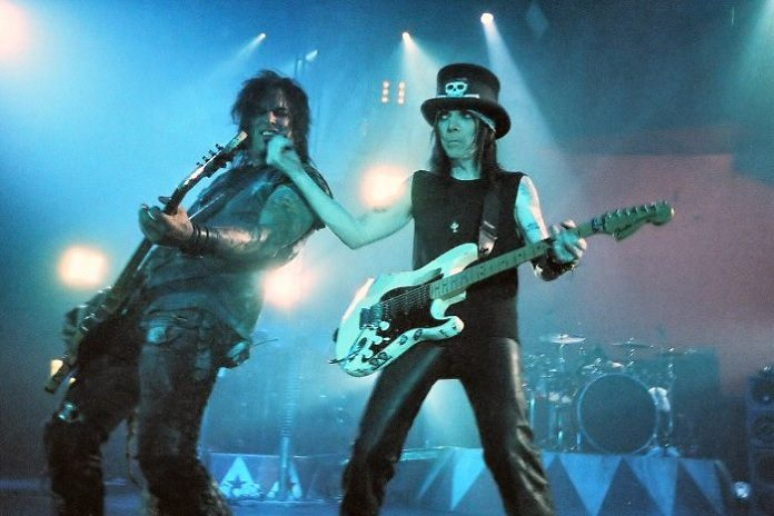 Mötley Crüe em 2005