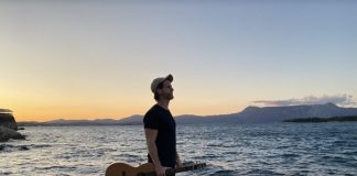 """Andy Keels fala sobre amor e perda em nova música; ouça """"Caroline"""""""