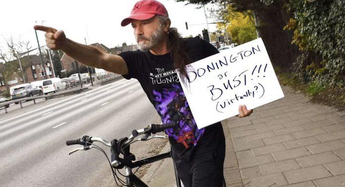 Bruce Dickinson em bicicleta