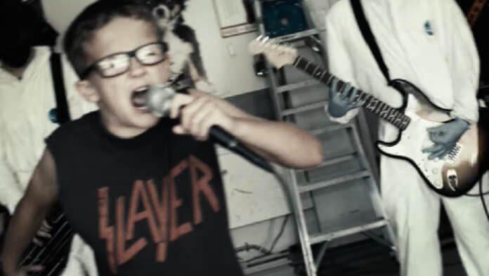 Rage Against the Machine: garoto de 10 anos manda muito bem em cover de