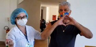 Lulu Santos é vacinado contra a COVID-19