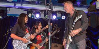 James Hetfield toca Metallica com crianças