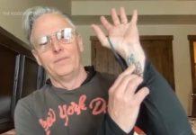 Mike McCready msotra tatuagem equivocada