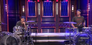 Duelo de bateria de Chad Smith e Will Ferrell