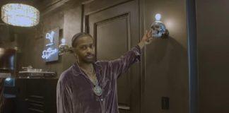 Big Sean faz um tour pela antiga mansão de Slash e mostra o que manteve na casa