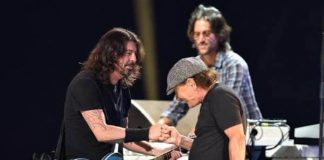 Foo Fighters com Brian Johnson