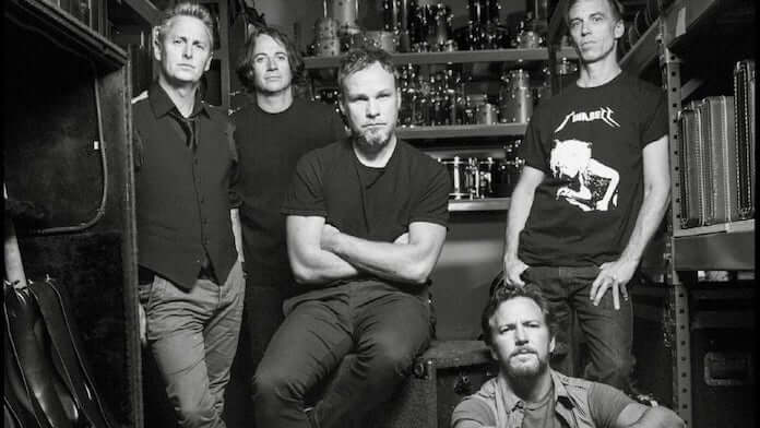Pearl Jam na capa de Anthology: the Complete Scores