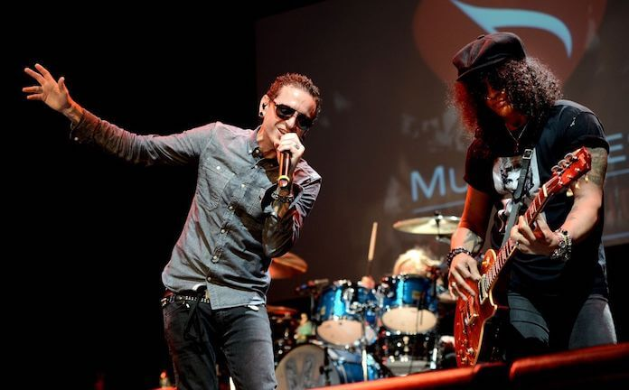 Slash e Chester Bennington