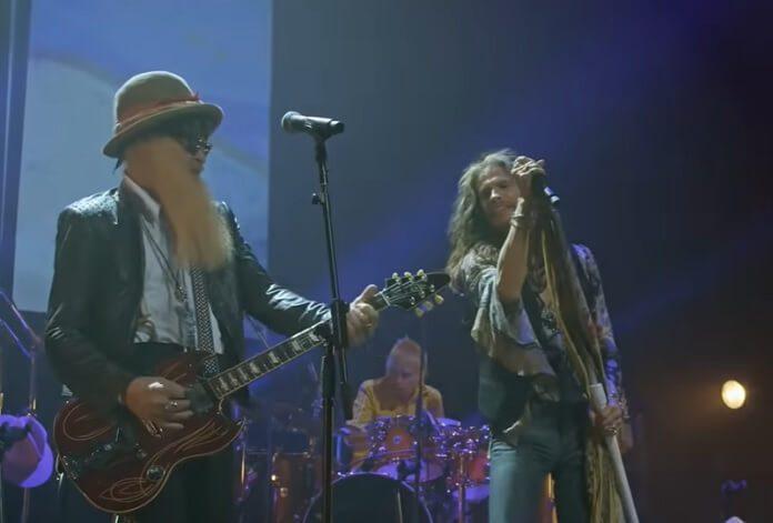 Steven Tyler canta clássico do Fleetwood Mac com ZZ Top