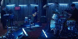 Thom Yorke e Jonny Greenwood do Radiohead estreiam sua nova banda The Smile no Glastonbury