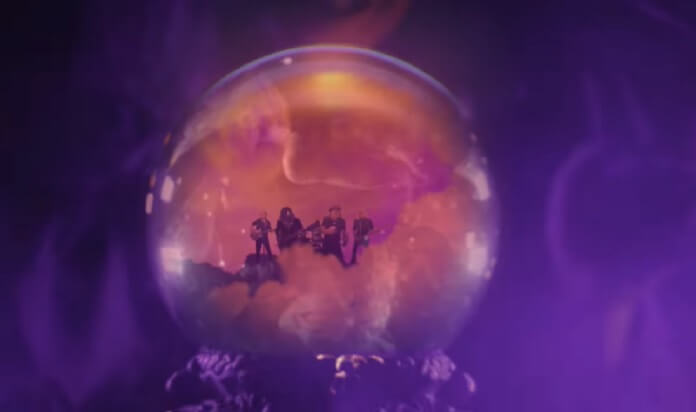 "AC/DC lança clipe místico para ""Witch's Spell"""