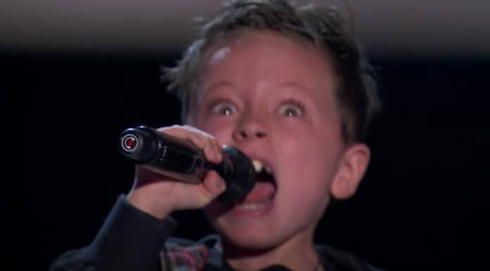 Jesús del Río canta AC/DC no The Voice Kids