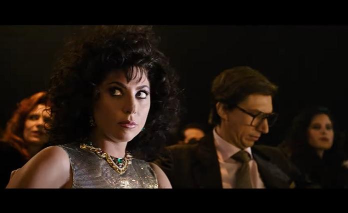 Lady Gaga e Adam Driver em Casa Gucci