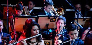 """Orquestra de jovens do """"Projeto Retreta"""" homenageia Elvis Presley"""