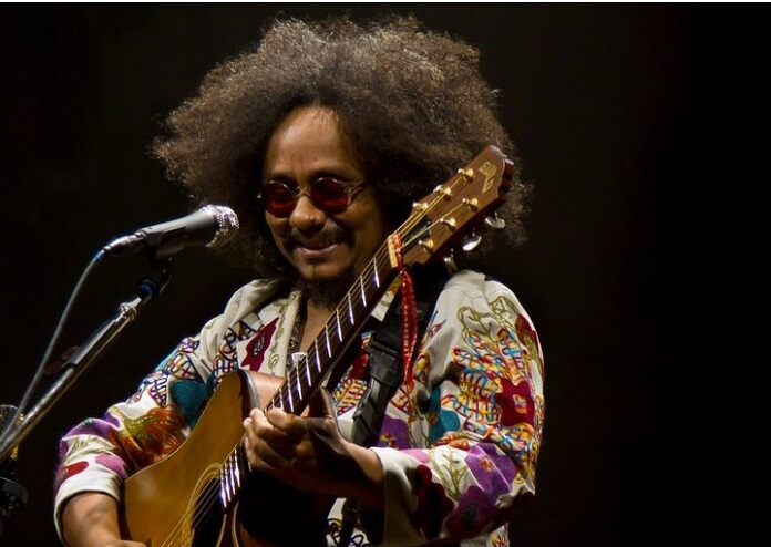 Chico César: discos ao vivo do artista chegam às plataformas de música
