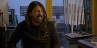 """Dave Grohl revela que batidas de """"Nevermind"""" são """"cópias"""" de bateristas da música Disco"""