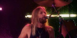 "Foo Fighters lança clipe para cover de ""Shadow Dancing"", de Bee Gees"