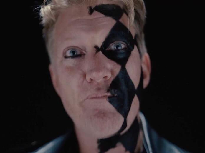 Josh Homme em clipe do Starcrawler