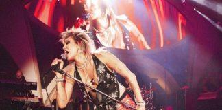 """Miley Cyrus muda letra de """"Party in the USA"""" e clama por liberdade de Britney Spears"""